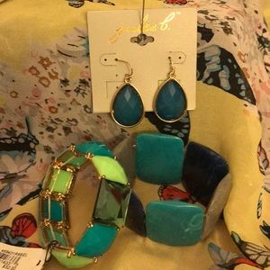 NWT 2stretch bracelet/earring set